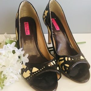 Michael Antonio Dark Brown & Cream Peep Toe Heels